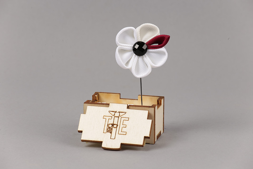 Pin Sacou Lung Flowers VII